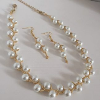 White Pearl on Gold Set
