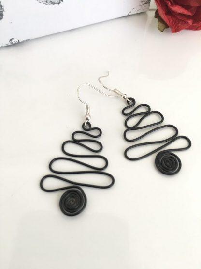 christmas-tree-earrings-black