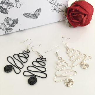 christmas-tree-earrings-black-silver