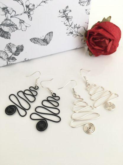 christmas-tree-earrings-black-silver