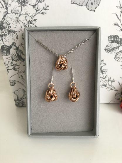 bronze-infinity-knot-jewellery-set