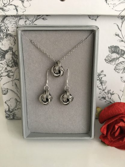 stainless-steel-infinity-love-knot-ball-jewellery-set