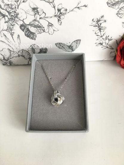 Aluminium-Silver-Infinity-Necklace