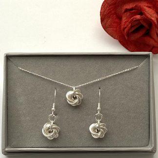 Sterling-silver-rosette-swirl-jewellery-set
